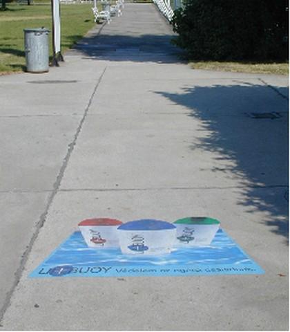 Przykład zastosowania Folii chodnikowej Scotchprinr®